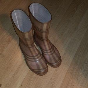 Authentic Burberry Women's Pink Rain Boots